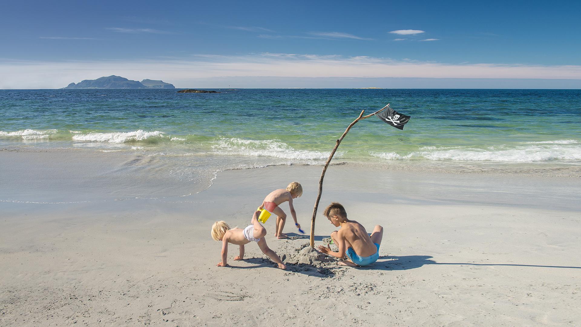 roppesanden-badeglede-visit-ulstein-strandliv