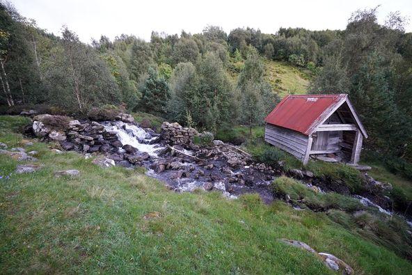 andreasgarden-elv-flø